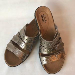 *CLARKS* Leisa Cacti Q Pewter Velcro Sandal Sz 6.5